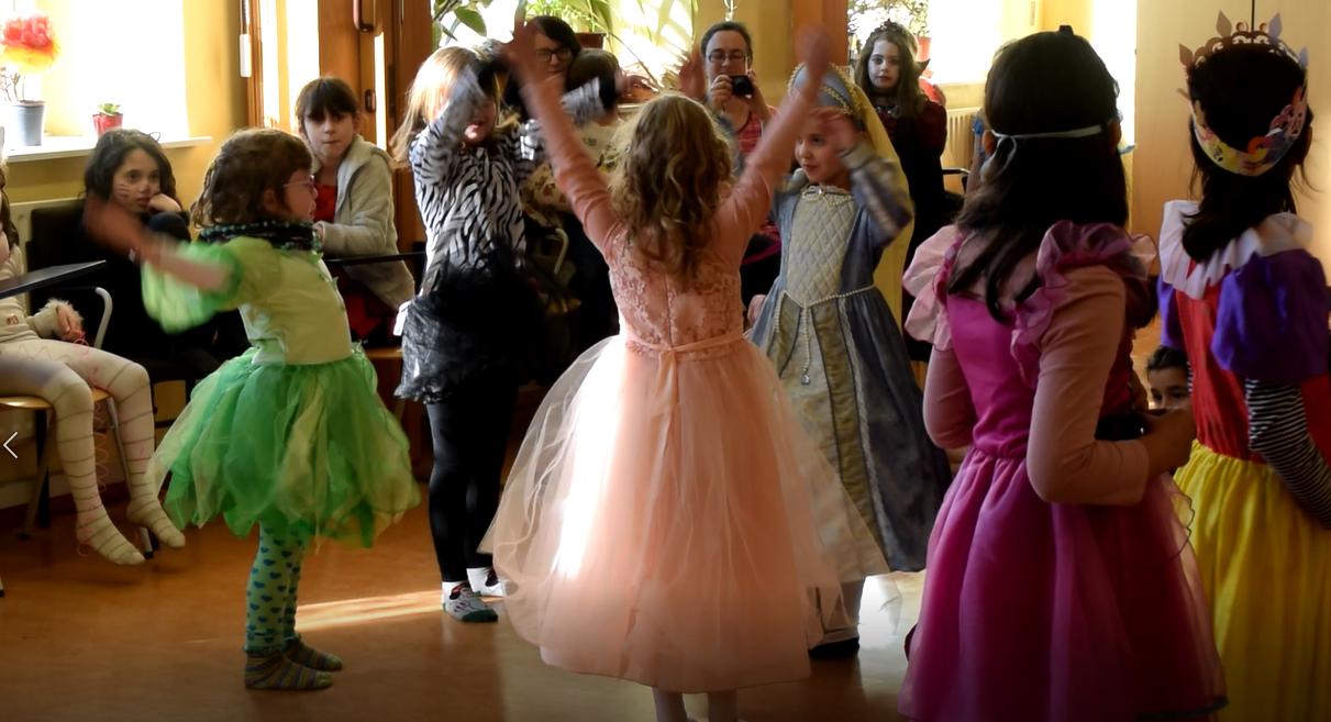 Tanzende-Kinder-Mitmachkonzert